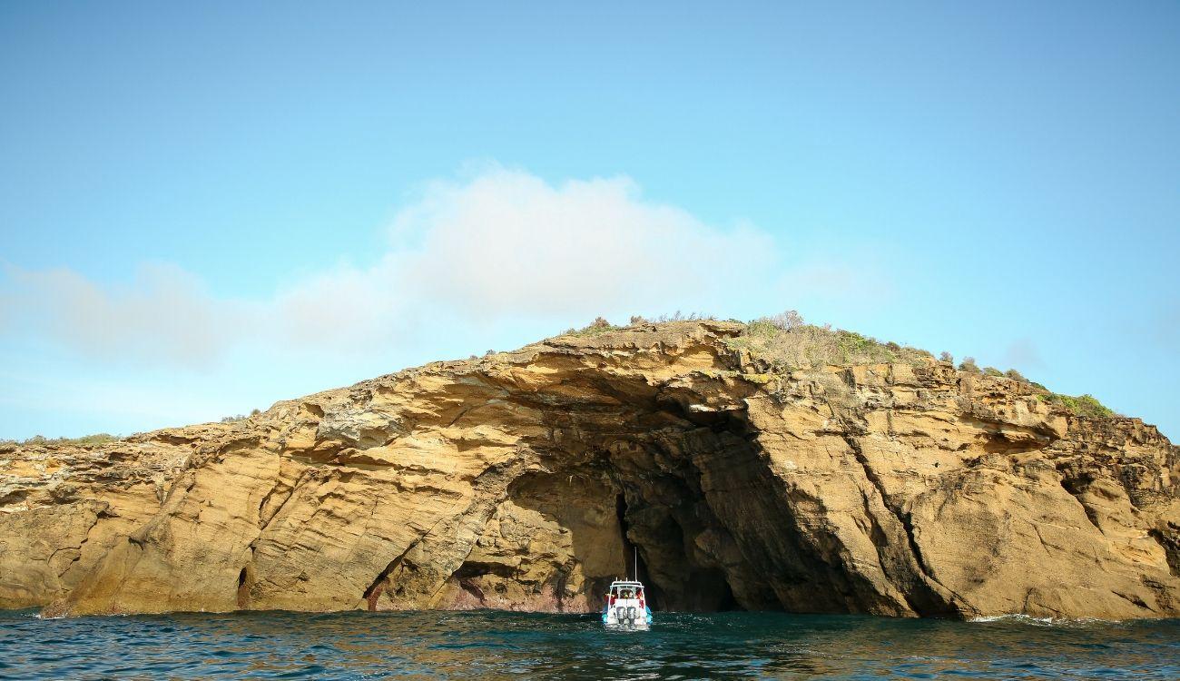 Pinneys Headland Caves Beach