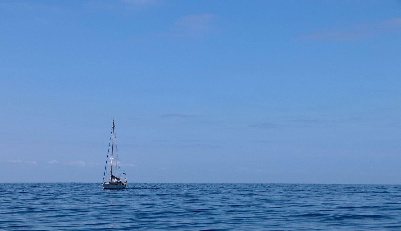 Sailing Lake Macquarie